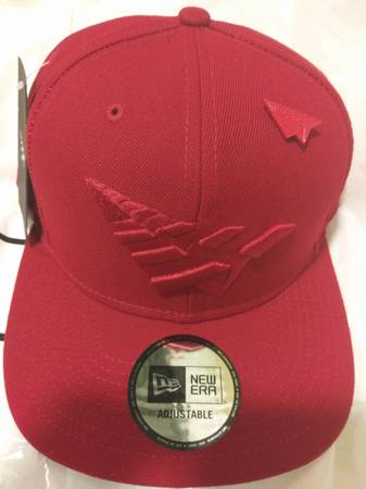 Photo RocNation Paper Planes limited all red exclusive snapback hat - $60 (Huntsville, AL)