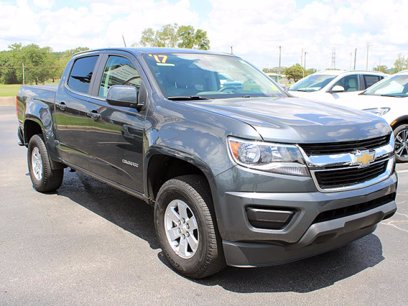 Photo Used 2017 Chevrolet Colorado 2WD Crew Cab WT for sale