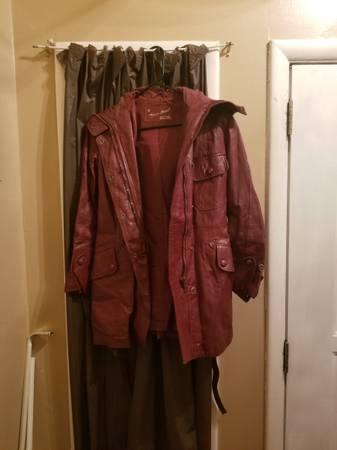 Photo Vintage Annette Ariger Soft Burgundy Leather Jacket (Womens Size 10) - $50 (Decatur al)
