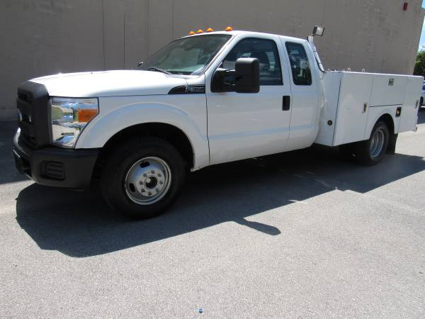 Photo 2015 FORD F350 SD EXTENDED CAB  UTILITY  COMMERCIAL  1 OWNER  - $17,995 (NO DOC FEES )
