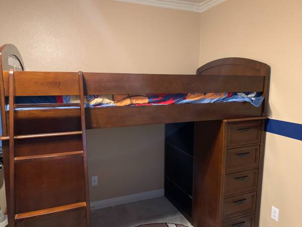 Photo ASHLEY TWIN L SHAPE BUNK BEDS WITH DESK, DRAWERS AND SHELVES - $1,000 (Imperial)