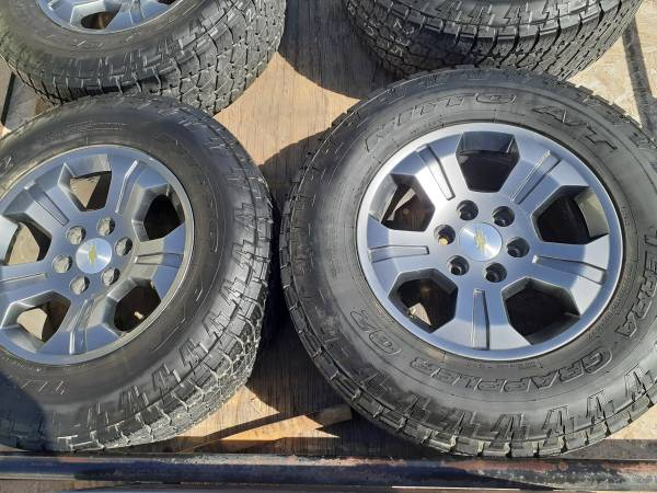 Photo Chevy Z71 Wheels and Nitto tires - $750 (heber 92249)