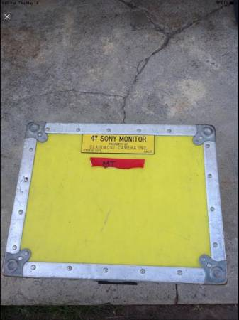 Photo Cinema Professional Yellow Protective Road Box. Protective road cases - $75 (Pacoima)