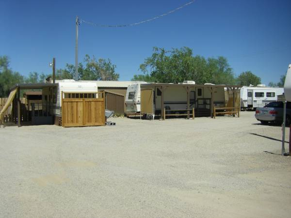 Photo Clean Trailer for Rent in Small Quiet Senior R.V. Park (Quartzsite, La Paz County, AZ)