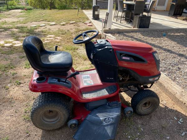 Photo Craftsman YTS 300 Lawn Tractor- $800 - $800 (Ramona)