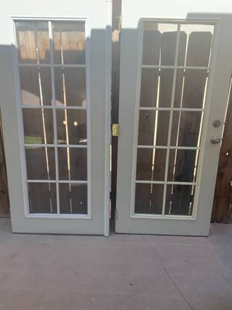 Photo DOUBLE FRENCH DOORS - $225 (IMPERIAL)