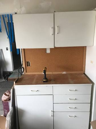 Photo Garage cabinets and workbench (Lake Forest)