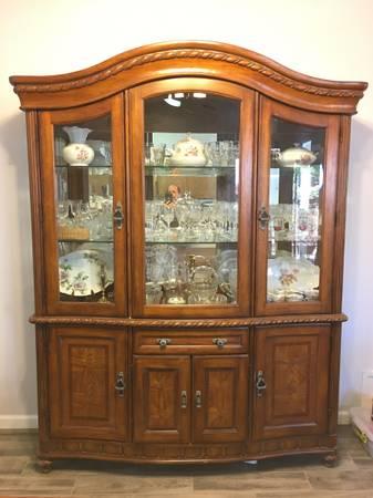 Photo Hutch (Fine China Display Cabinet) - $500 (Calexico)
