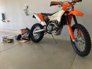 Photo KTM 450 EXC - $4,750 (Apple Valley)