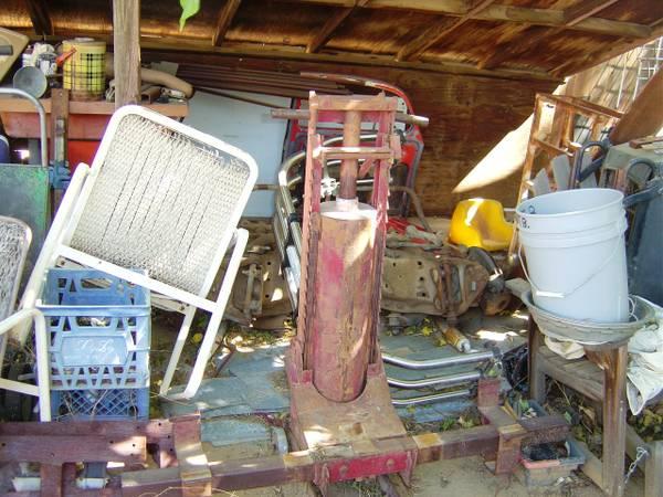 Photo Old School Bumper Jack - $575 (Lancaster)
