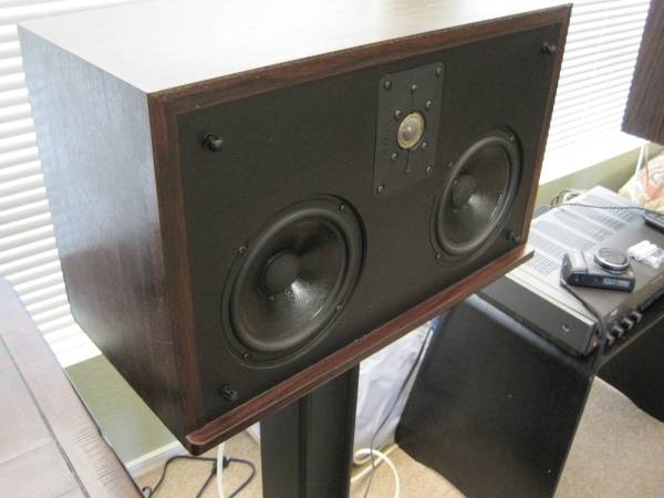 Photo Polk SDA CRS Speakers - $245 (Valley Center)