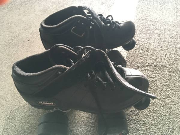 Photo Riedell Carrera Speed Skates Size 4 Roller Skates - $50 (Los Angeles)