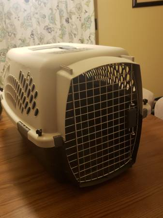 Photo Small pet taxi crate 15-25lbs - $40 (Holtville)