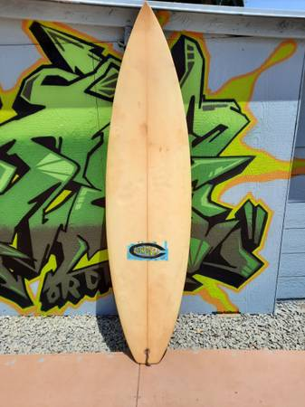 Photo Surfboard Cordell 6 foot 2 inches 19quot wide - $60 (Santa Ana)