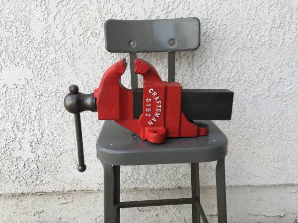 Photo Vintage 1940s Craftsman 4 Bench Vise Made in USA Fixed Base - $99 (Gardena)