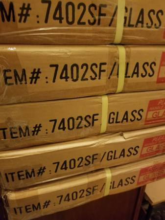 Photo GLASS TABLE TOPS NEW IN BOX  BEVELED GLASS --16 x 48  - $20 (vista village)