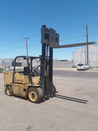 Photo 1980 Cat Forklift Two Stage (INDIANAPOLIS)