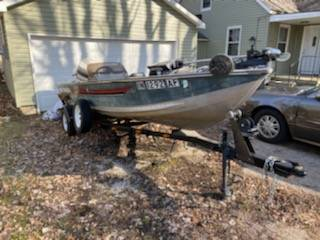 Photo 1988 bass tracker boat - $3000 (Greenwood)