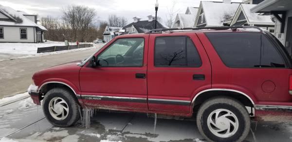 Photo 1997 Chevy S10 Blazer 4 door 4x4 - $1100 (ZIONSVILLE)