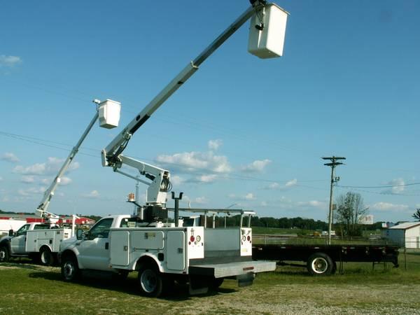 Photo 2001 Ford F450 Superduty 7.3 Powerstroke 4239 Bucket Lift truck sign - $15,900 (Memphis, Indiana)