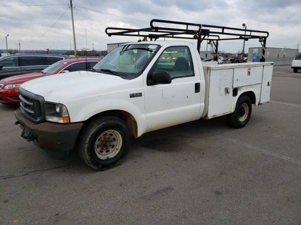 Photo 2003 FORD F250 SERVICE UTILITY BED WORK TRUCK LOW PRICE - $2,500 (CLARKSVILLE)