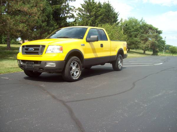 Photo 2004 FORD F150 XLT FX4 - $8950 (SHARPSHARPTRUCK)