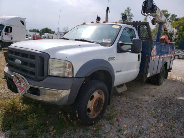 Photo 2005 FORD F550 4X4 TURBO DIESEL SERVICE BED CRANE 1 OWNER RIG NEW $70K - $4,700 (INDIANAPOLIS)