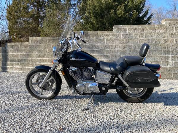 Photo 2007 Honda Shadow Spirit 1100 - $4,250 (Nineveh, Indiana)