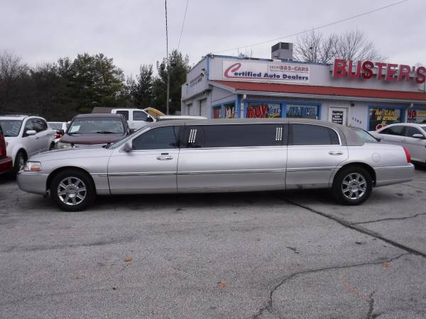 Photo 2007 Lincoln TownCar Limo quot$5500.00 CASHquot - $5500 (greenwoodindianapolis)