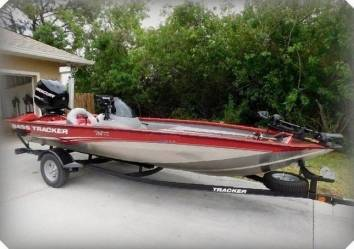 Photo 2015 Bass Tracker BOAT 238 HOURS CLEAN AND FULLY SERVICED WALK-THRU - $1,600