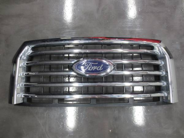 Photo 2016 Ford F150 Grill Assembly. In New Condition - $140 (CICERO)