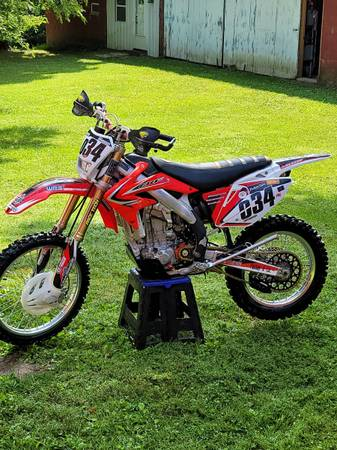 Photo 2017 CRF 450X Unbelievable low hours - $5,700 (Morgantown)