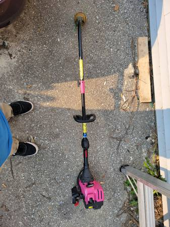 Photo 3 weedeaters all work - $40 (Franklin)