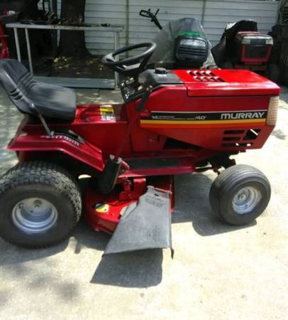 Photo 40quot murray riding lawn mower - $225 (New Castle)