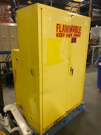 Photo 45 gallon Eagle flammables cabinet - $225 (Indianapolis)