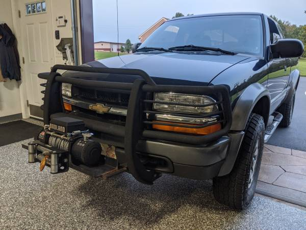 Photo Brush Guard  Winch Setup Chevy S10 ZR2 push bar - $600 (Salem, IN)