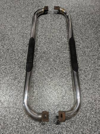 Photo Bully Chrome Step Bars Chevy S10 Nerf Running Boards - $100 (Salem, IN)