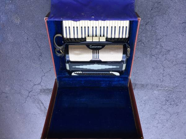 Photo Camerano L 43655 Italian Accordion with Case - $375 (Brownsburg - Indy West)