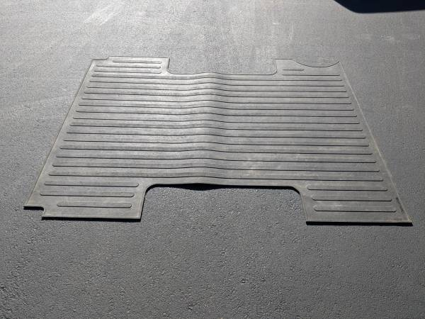 Photo Chevrolet S10 Bed Mat Liner ZR2 - $30 (Salem, IN)
