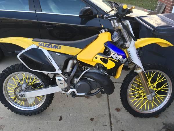 Photo Classic ALL Original Low Hour 1996 Suzuki RM250 - $1750 (Greenwood Indiana)