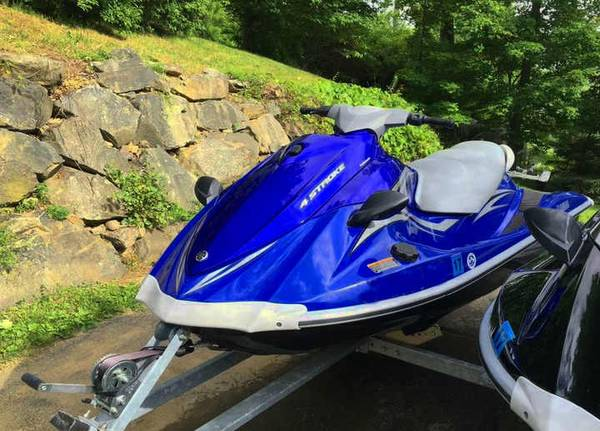 Photo FOR SALE A pair of waverunners w trailer - $2500