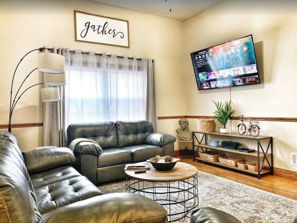 Photo Fountain Sq Free Private Parking, Netflix, and HULU Enjoy your Stay (Indianapolis)
