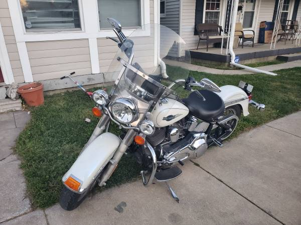 Photo Harley heritage soft tail classic - $6,500 (INDIANAPOLIS)