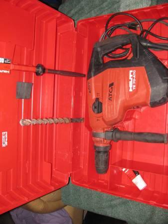Photo Hilti TE 70 ATC AVR Jack hammer-hammer drill-drill like new used 1 tim - $700 (E.Indy)