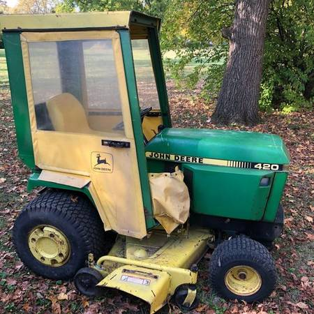 Photo John Deere 420 with Cab and Snowblower - 60 inch deck - $3,800 (Indianapolis)