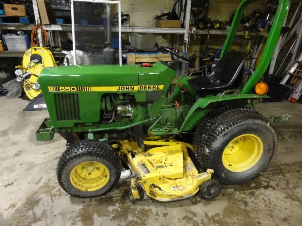 Photo John Deere 650 Garden Tractor 4wd Diesel - $4,250 (west side indianpolis)