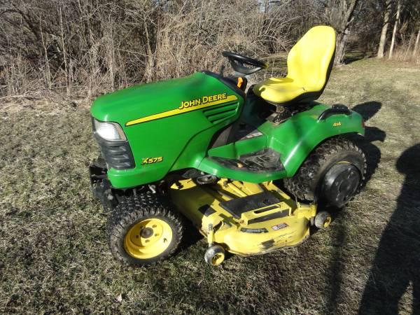 Photo John Deere X575 Garden Tractor 4wd - $4,150 (Brownsburg)