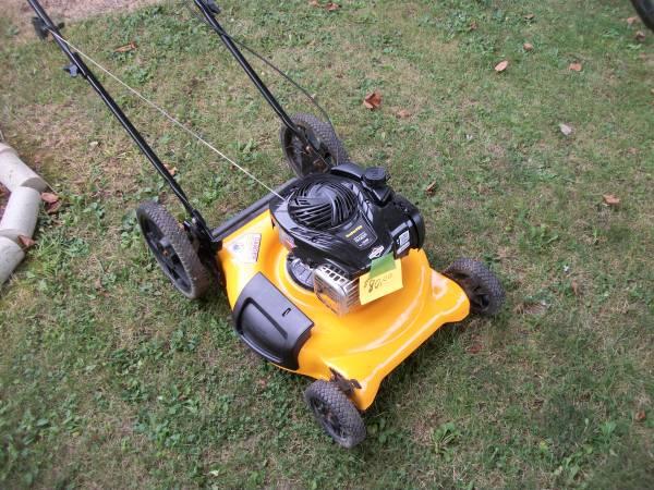 Photo Like New Poulan Pro Big Wheel Push Mower - $75 (Greenfield)