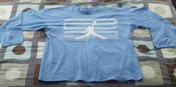 Photo Michael Jordan Shirts - $15 (Indianapolis)