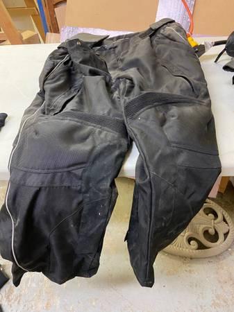 Photo Motorcycle Rain Overpants - $20 (Indianapolis)